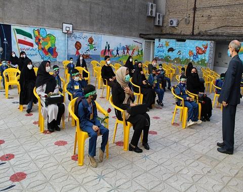 برگزاري مراسم جشن شكوفه ها -گروه الف-12 شهريور ماه